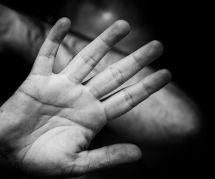 Féminicide : un meurtre de femme sur deux est commis par un membre de sa famille