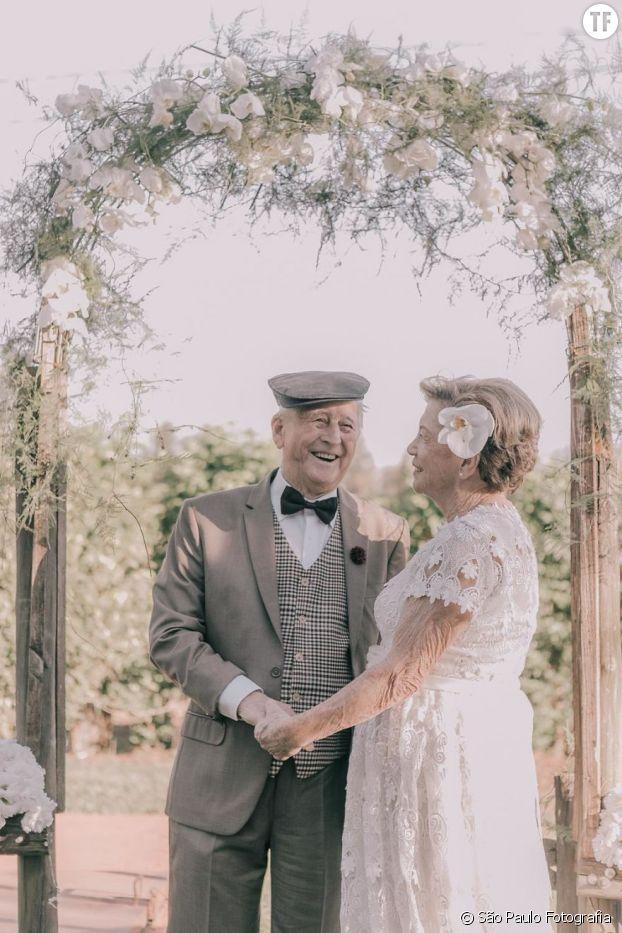 Une cérémonie de mariage organisée par des photographes