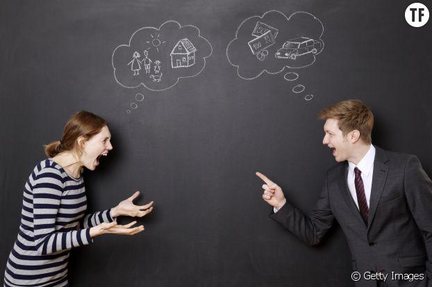 Un couple se dispute parce qu'ils n'ont pas les mêmes attentes.
