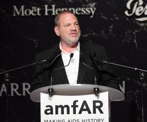 """Accusé de harcèlement sexuel, le producteur Harvey Weinstein livre ses """"excuses"""""""