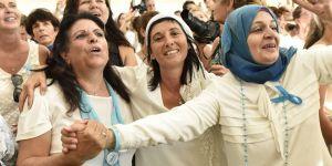 Israéliennes et Palestiniennes marchent ensemble pour la paix