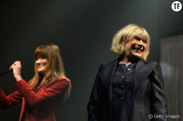 Carla Bruni et Marianne Faithfull ensemble sur la scène de L'Olympia le 11 mars 2014