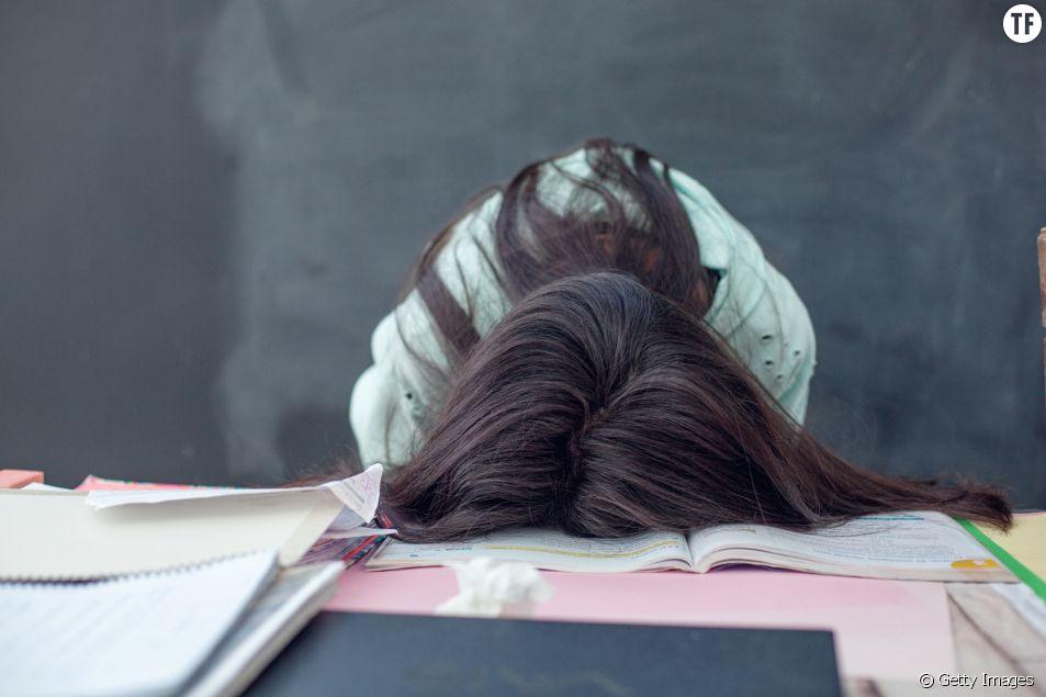 Commencer les cours trop tôt peut menacer la santé mentale des ados, alerte une étude