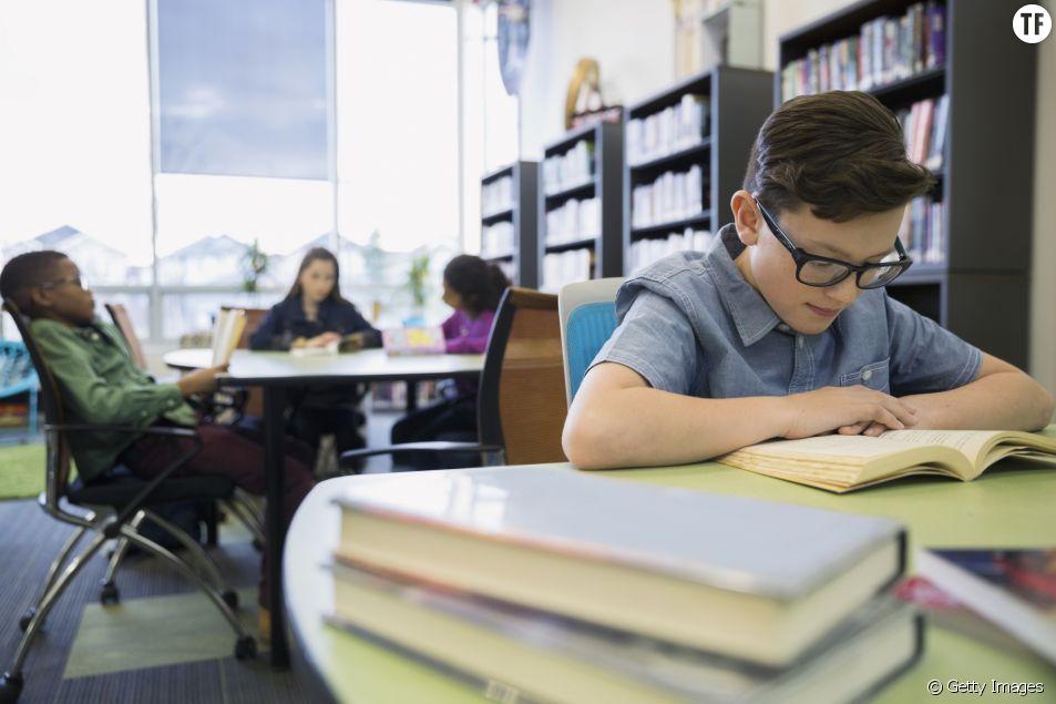 15 minutes de silence pour lire : la belle idée qui se répand dans les écoles françaises
