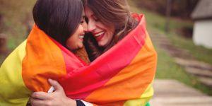 Cette ado a encouragé les jeunes femmes à faire leur coming out sur Twitter