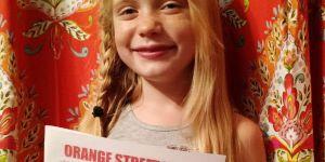 À 10 ans, cette fillette est déjà journaliste d'investigation