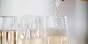 L'étonnante astuce pour faire pétiller un champagne éventé