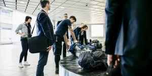 2 astuces imparables pour ne plus attendre sa valise à l'aéroport
