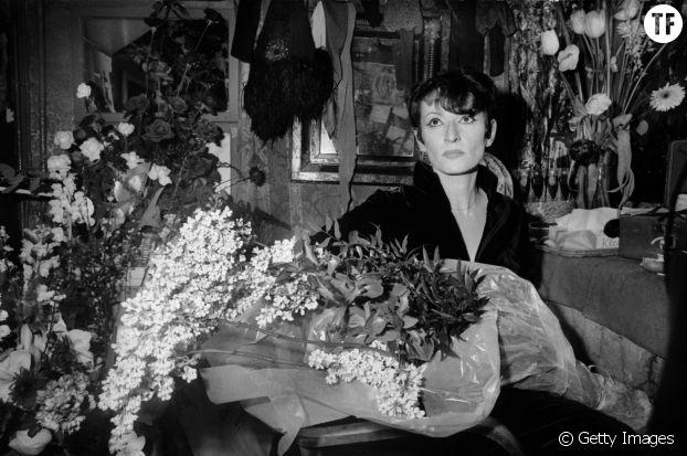 Barbara dans sa loge, au théâtre Bobino, Paris, le 30 janvier, 1975
