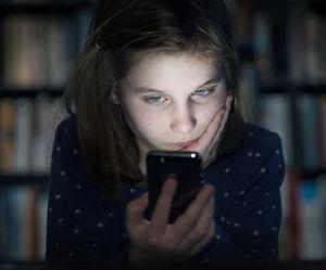 L'auto-mutilation digitale, ce phénomène inquiétant qui touche les ados sur Internet