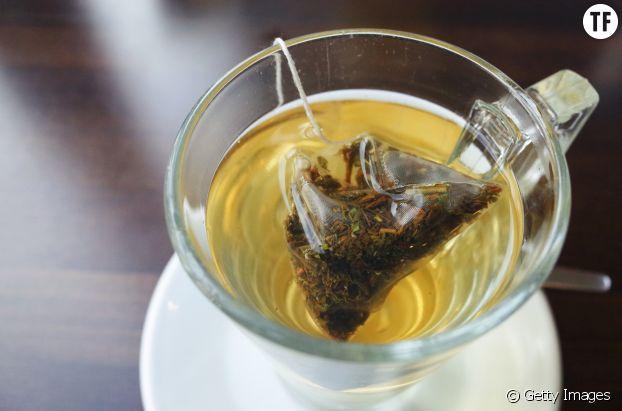Soulager ses lèvres gercées avec du thé vert