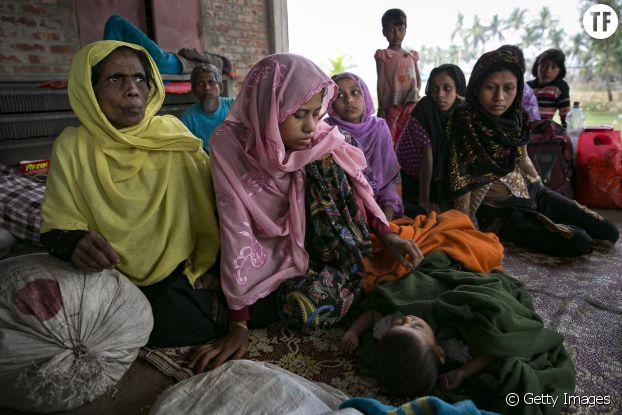 Photo d'illustration de jeunes filles et femmes rohingyas.