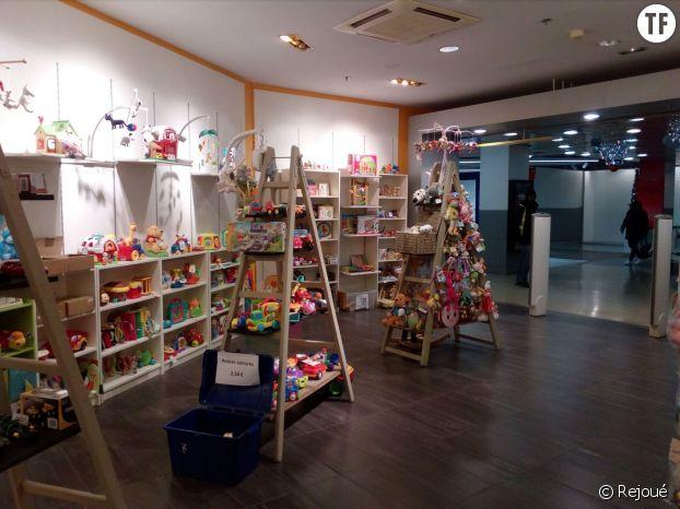 Boutique Rejoué, centre commercial de Gaîté, Paris, 14e.