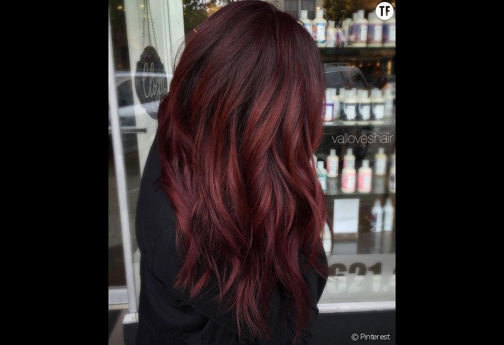 La coloration vin chaud, tendance cheveux de 2018