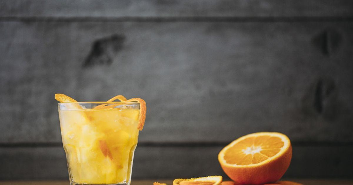 Pourquoi faut-il boire un verre de jus d'orange le matin