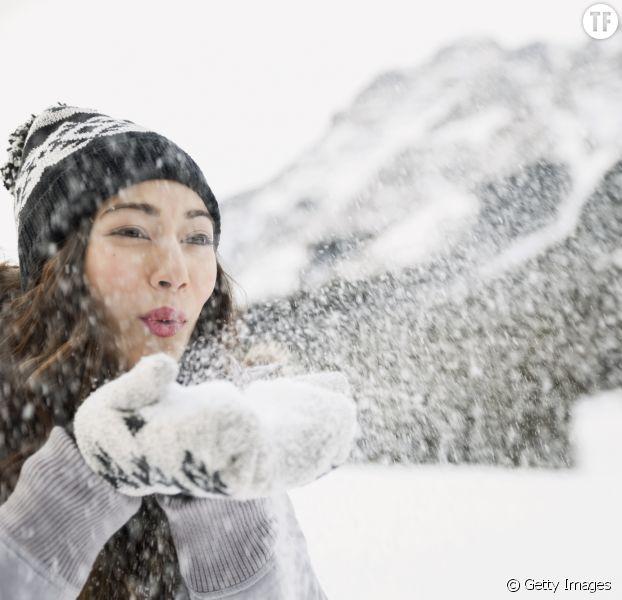 """Une personne qui s'apprête à relever le """"Snowface Challenge""""."""
