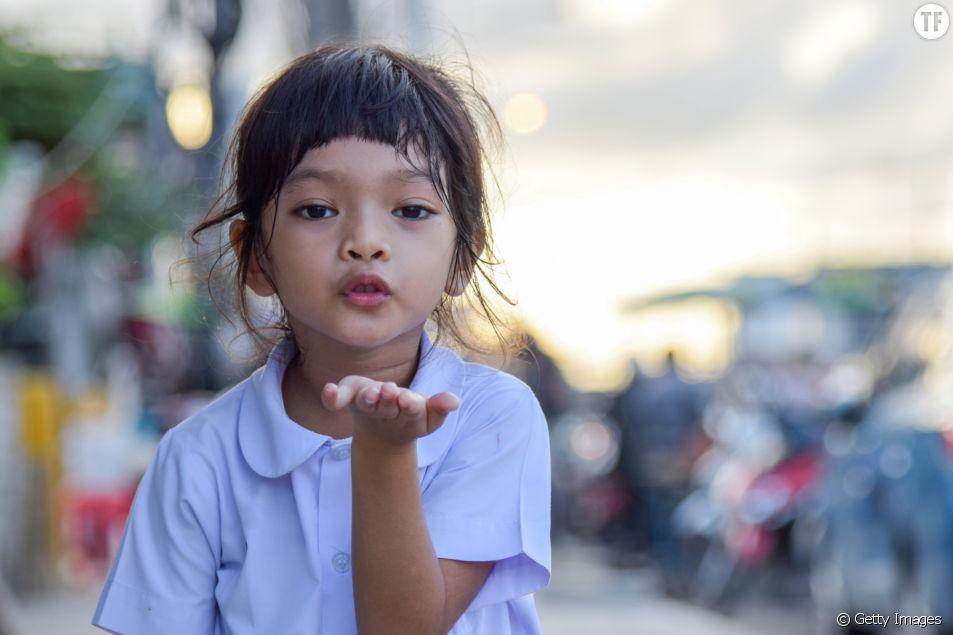 La notion de consentement entre en jeu dans le simple fait d'obliger ses enfants à faire des bisous à la famille.