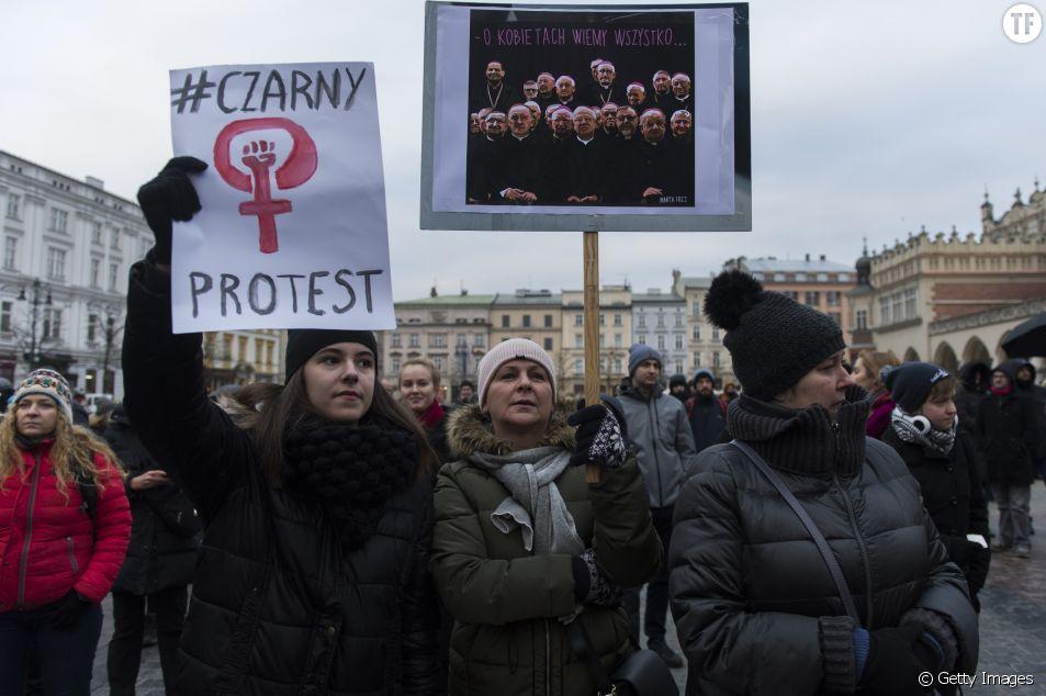 Les Polonaises se mobilisent à nouveau pour défendre le droit à l'avortement