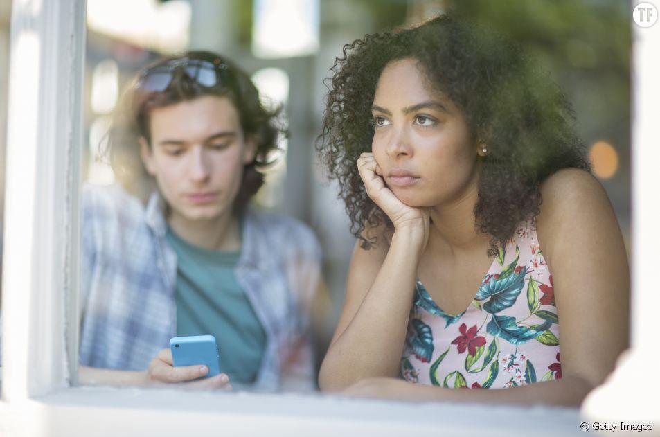 Je me sens seule dans mon couple : que faire ?