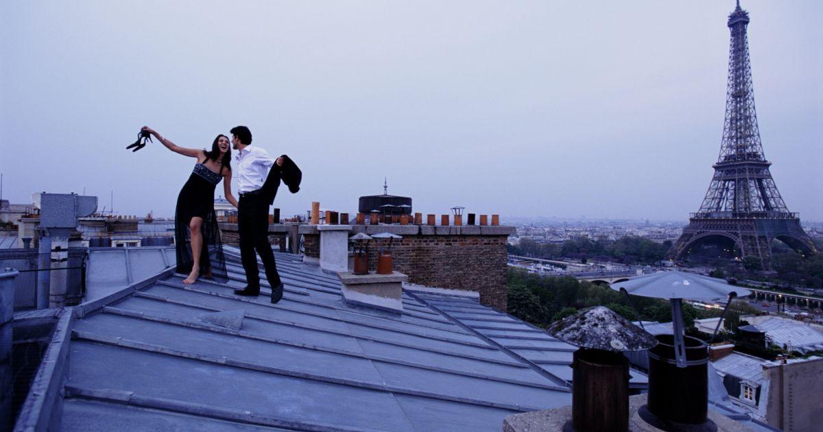 """Résultat de recherche d'images pour """"paris roof couple"""""""