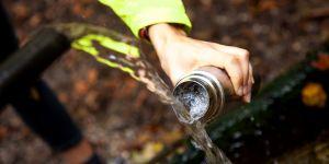 """""""Raw water"""" : cette tendance qui cartonne aux Etats-Unis serait dangereuse"""