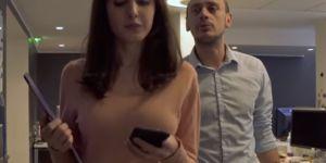 """""""Bruits de couloir"""" : le court-métrage percutant qui dénonce le sexisme au travail"""