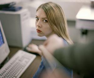 Submergée d'appels, une association contre le harcèlement sexuel au travail ferme sa hotline