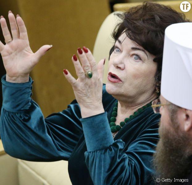 La député Russe Tamara Pletnyova veille au grain.