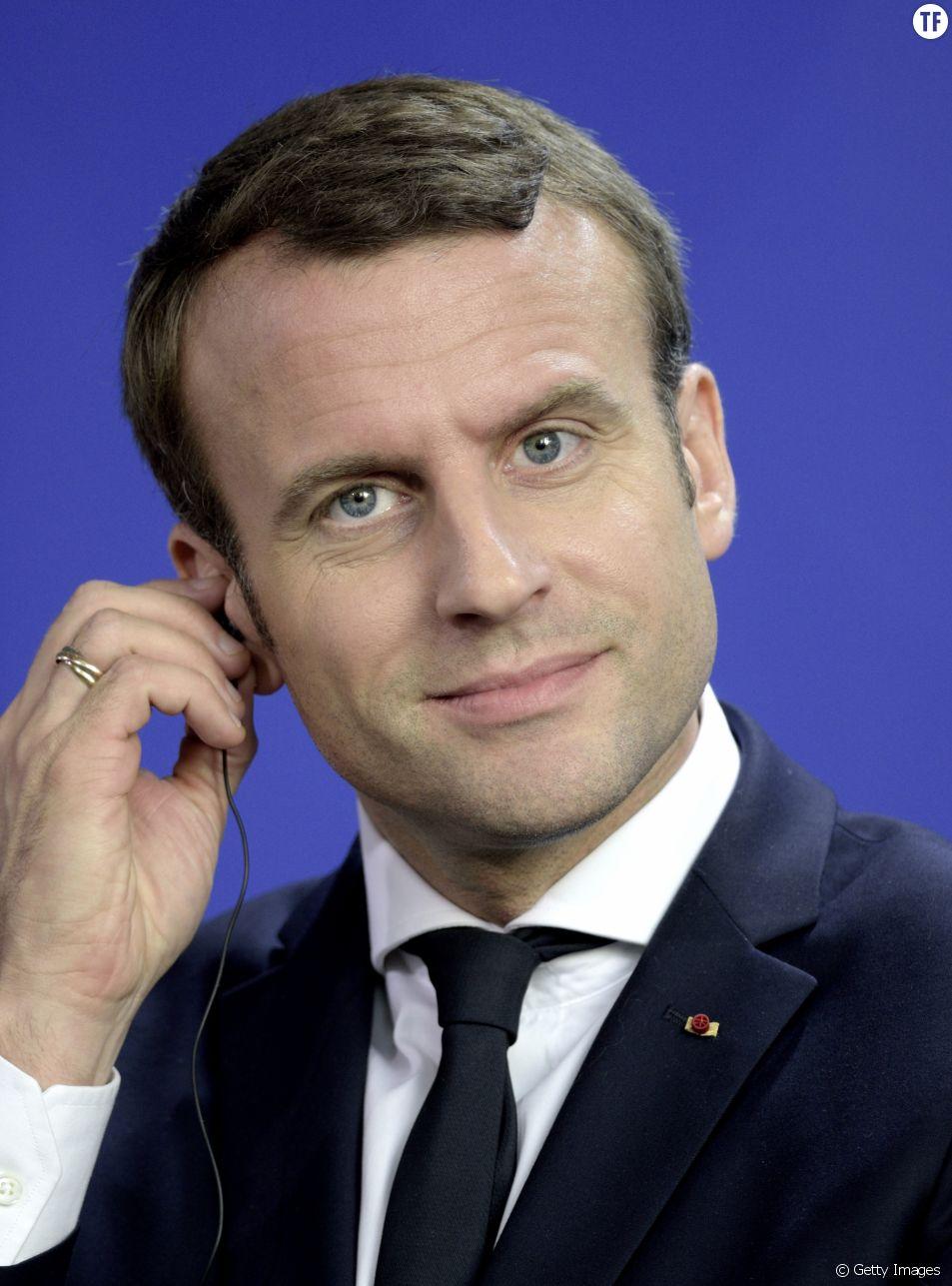 On a quelques mises au point à faire dans l'oreillette d'Emmanuel Macron