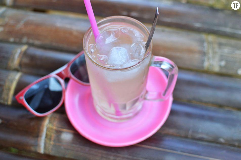 Canicule : est-ce une bonne idée de déguster des boissons glacées ?