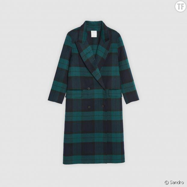 Le manteau long à carreaux