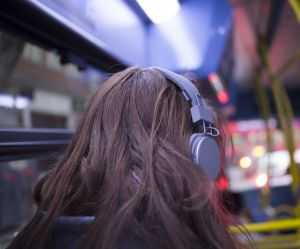 """""""N'utilisez pas vos écouteurs"""" : le victim-blaming de la police londonienne"""