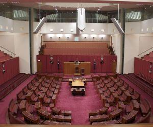 Pour attaquer l'avortement, ce sénateur australien veut devenir une femme