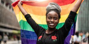 Pourquoi les personnes LGBTQ sont-elles plus exposées aux violences ?