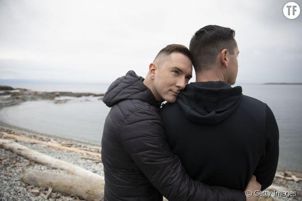 """Le mythe de la """"jupe courte"""" des hommes gays."""