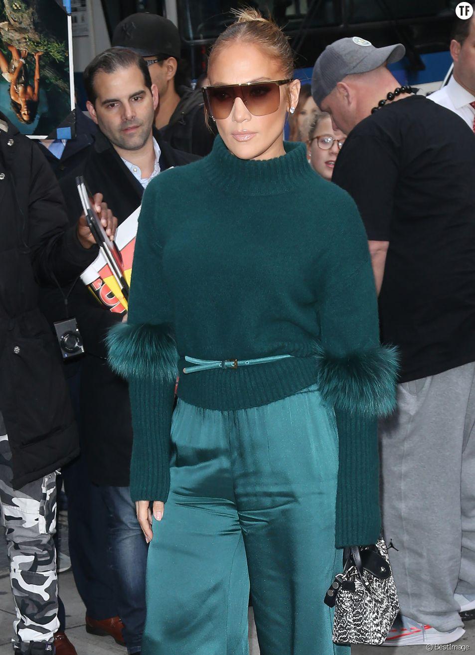 Jennifer Lopez à son arrivée au théâtre DGA à New York le 11 novembre 2019