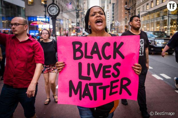 """Aux Etats-Unis, les marches de """"Black Lives Matter""""."""