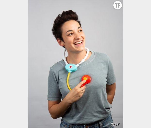 L'infirmière-comédienne Caroline Estremo