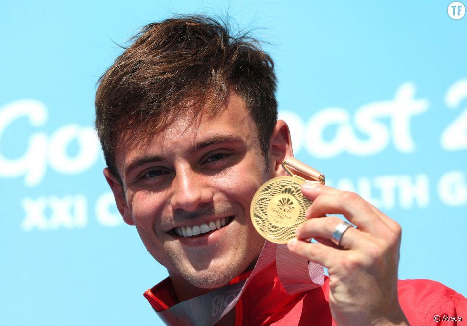 Tom Daley, médaillé d'or aux Jeux Olympiques, fait son coming out.