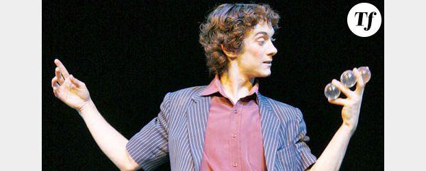L'illusionniste Xavier Mortimer en finale d'Incroyable Talent sur M6 – Vidéo