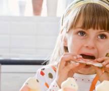 Encore trop de gras et de sucre dans l'alimentation des enfants