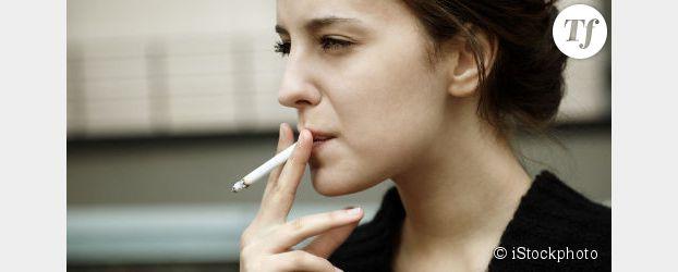 Les filles plus nombreuses à essayer la cigarette au collège