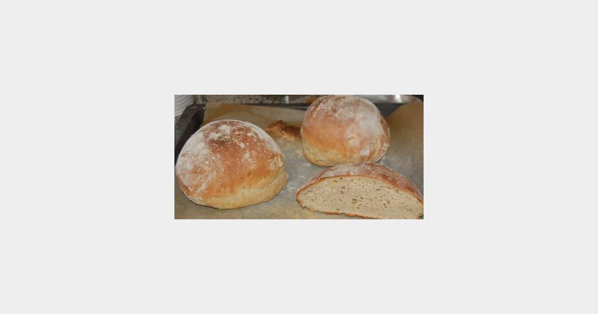 Comment bien couper le pain fait maison ? - Terrafemina