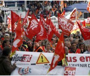 1er Mai : des milliers de manifestants dans les rues contre l'austérité