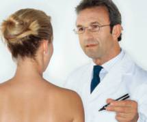 Plus de prothèses mammaires pour les jeunes filles italiennes