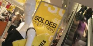 Soldes d'été 2012 : les hommes aussi chassent les bonnes affaires