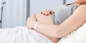 50 000 adolescentes meurent chaque année d'une grossesse précoce