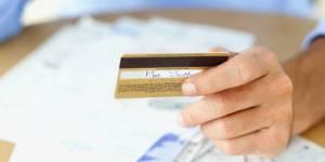 Benoît Hamon veut renforcer l'encadrement du crédit renouvelable