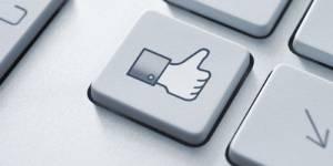 Facebook : plus de pub... pour faire remonter l'action en Bourse ?
