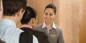 Cannes : licenciée pour défaut de sourire, l'employée obtient gain de cause